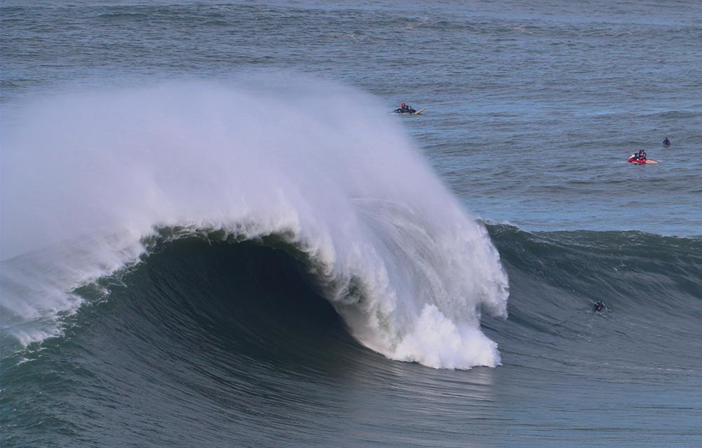 Big wave surfing, dealing with fears
