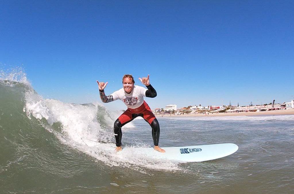 Nadine Dittrich surfing in Portugal